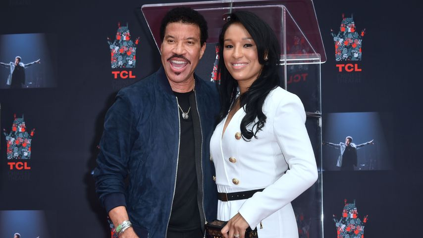 Lionel Richie und Lisa Parigi vor dem TCL Theater in Hollywood