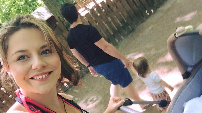 Lisa Wohlgemuth, ihr Verlobter Tim und die gemeinsamen Kinder