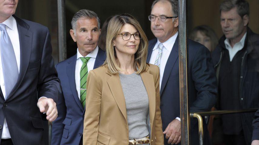 Lori Loughlin beim Verlassen des Gerichts, April 2019