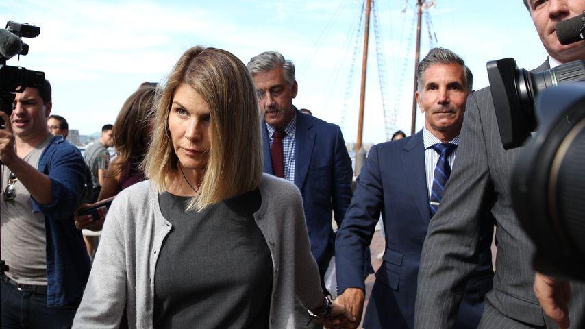 Lori Loughlin und ihr Mann Mossimo Giannulli im August 2019