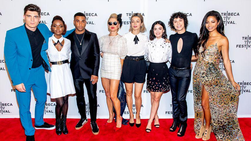 """Lucy Hale mit dem Cast ihrer Serie """"Katy Keene"""" beim Tribeca Film Festival in NYC im September 2019"""