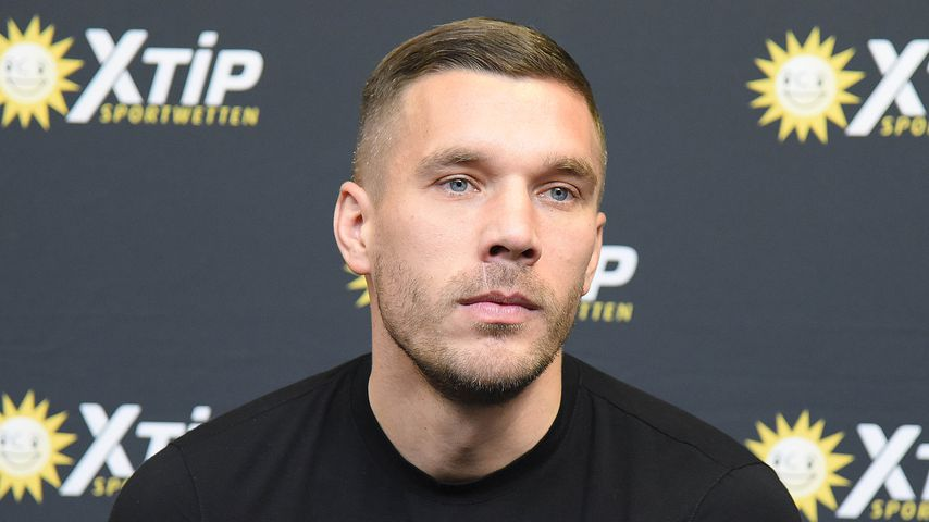 Wegen Taifun in Japan: Lukas Podolski von Familie getrennt