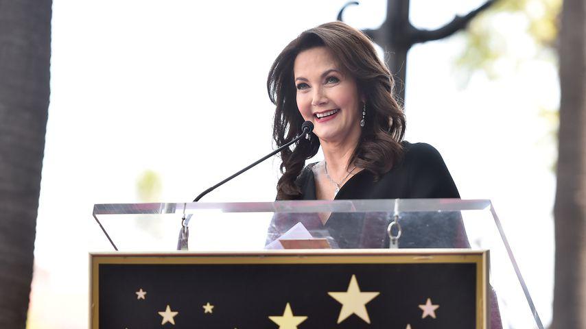 Lynda Carter bedankt sich für ihren Stern auf dem Walk of Fame