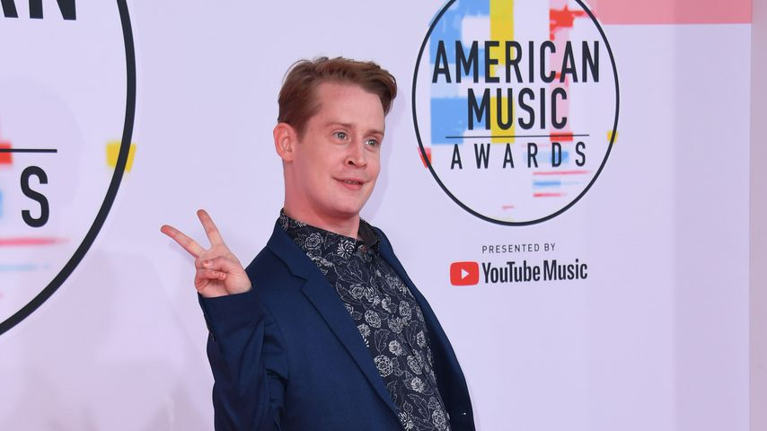 Macaulay Culkin auf dem Red Carpet der American Music Awards 2018 in Los Angeles
