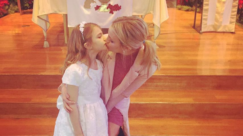 Maddie Briann Aldridge mit ihrer Mutter Jamie Lynn Spears bei Maddies Kommunion