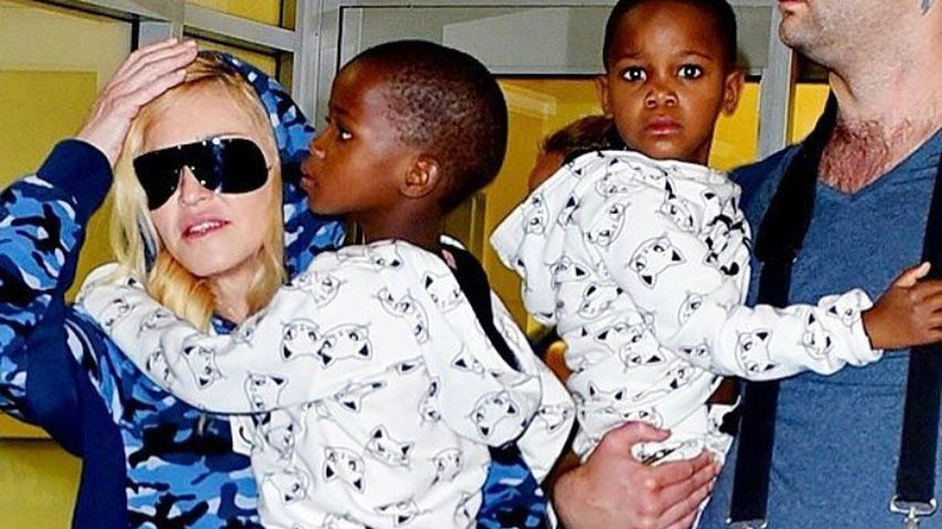 Madonna mit ihren Zwillingen Estere und Stelle Ciccone