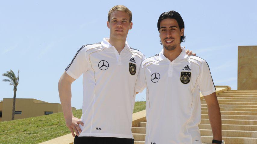 Manuel Neuer und Sami Khedira im Mai 2010