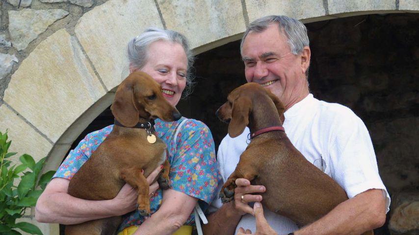 Margrethe von Dänemark und Prinz Henrik mit ihren Hunden in Frankreich