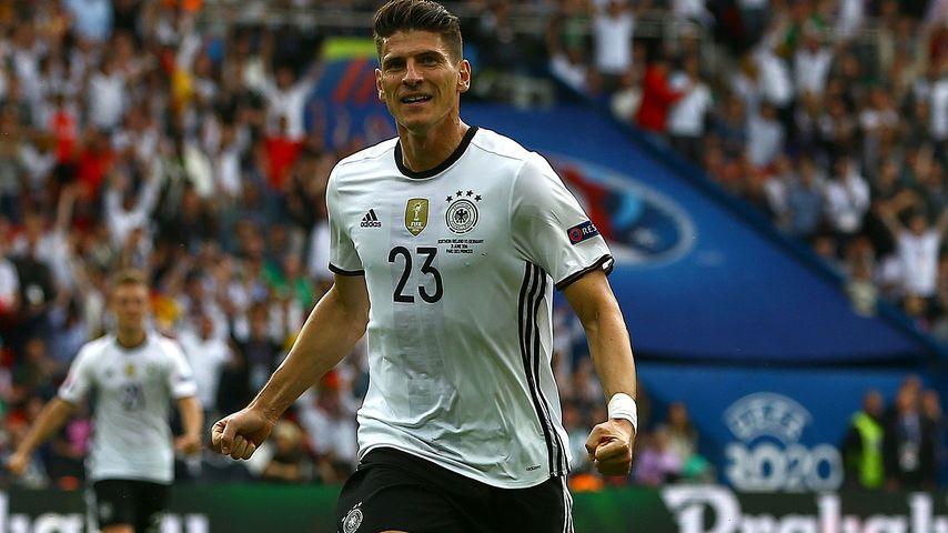EM 2016: Mario Gomez schießt Deutschland zum Gruppensieg!
