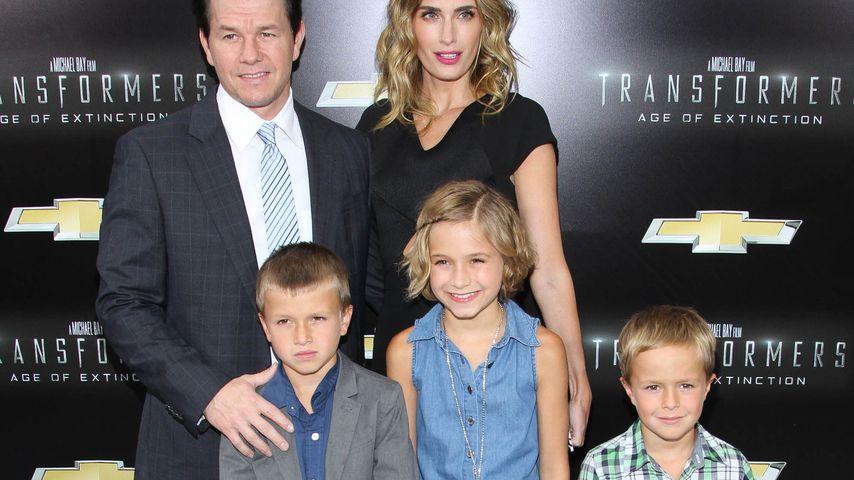 Mark Wahlberg, Rhea Durham und ihre Kindern Michael, Ella Rae und Brendan Joseph in NYC im Juni 2014