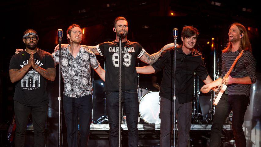 Maroon 5 bei einem Auftritt in Inglewood 2015