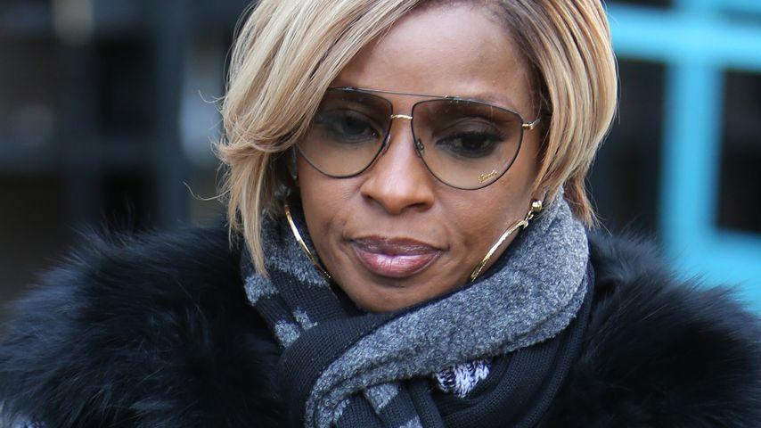 Schock! Mary J. Bliges Vater mit Messer verletzt