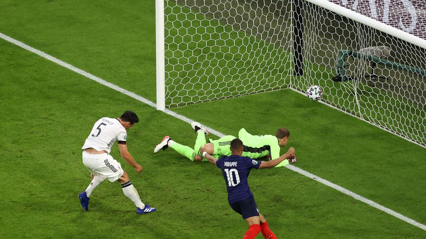 Mats Hummels, Manuel Neuer und Kylian Mbappé beim EM-Spiel Deutschland gegen Frankreich
