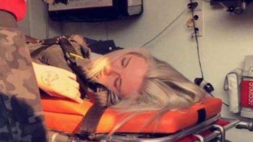 Schock-Bild! YouTube-Melina Sophie liegt im Krankenwagen