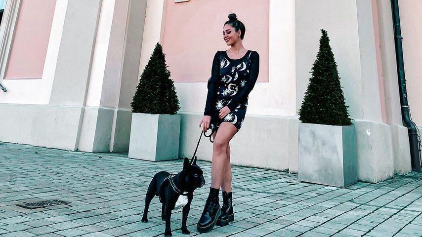 """""""Love Island""""-Star Melissa mit ihrem Hund"""