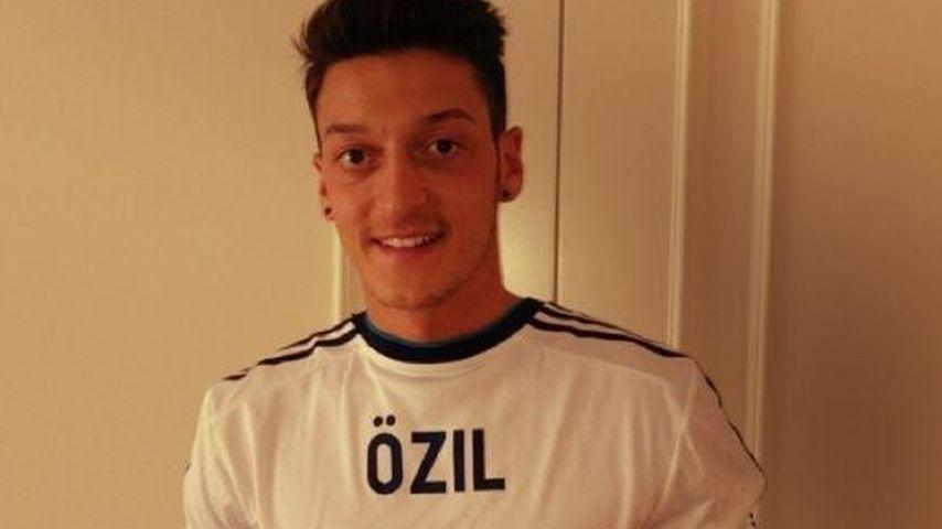 Mesut Özil: Mehr als zehn Millionen Facebook-Fans