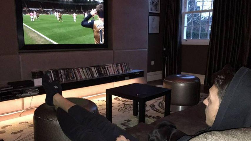 Mesut Özil: So sieht es aus, wenn er ohne Mandy chillt