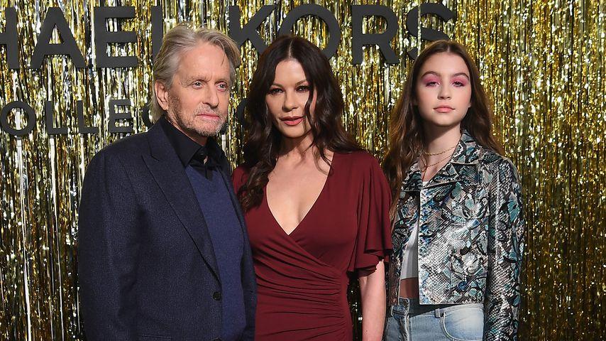 Michael Douglas mit seiner Frau Catherine Zeta-Jones und Tochter Carys