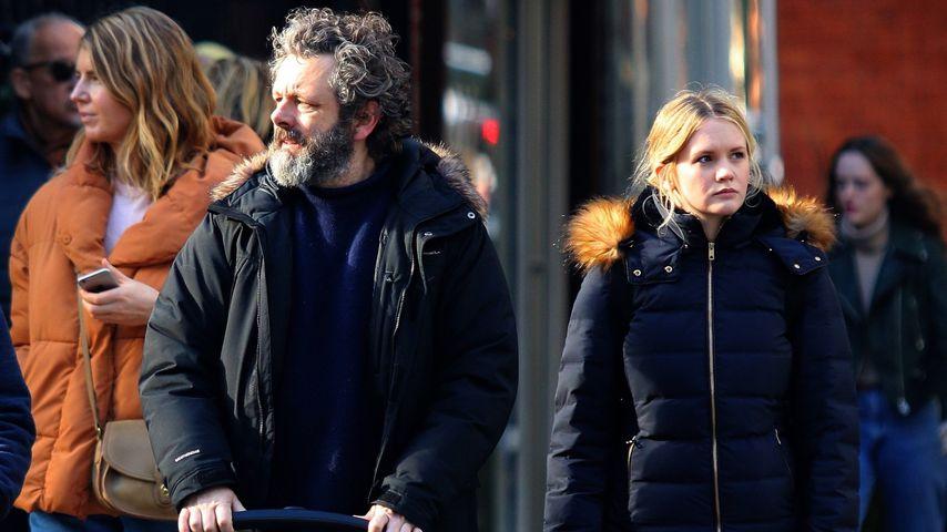 Michael Sheen und Anna Lundberg bei einem Spaziergang mit ihrem Baby in New York im Januar 2020