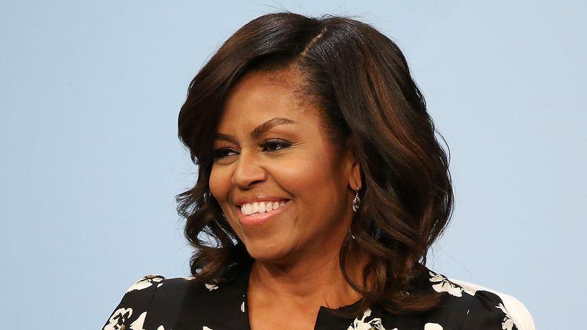 """Michelle Obama bei der Podiumsdiskussion """"A Brighter Future"""" in Washington, D.C. im Oktober 2011"""