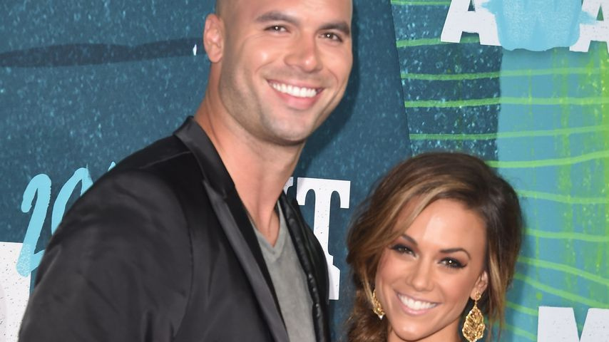 "Ex-NFL-Star Mike Caussin und Jana Kramer bei den ""CMT Music Awards"" in Nashville"