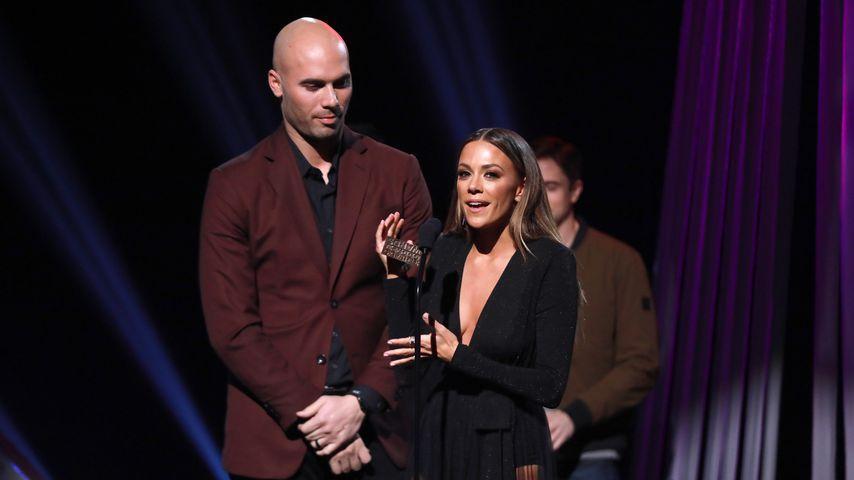 Mike Caussin und Jana Kramer bei den iHeartRadio Podcast Awards, 2019