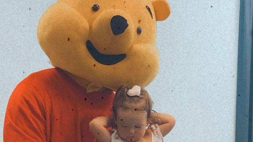 Mike Heiter als Winnie der Pu verkleidet und Aylen