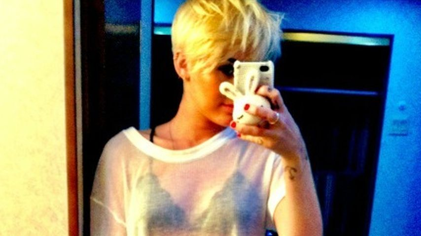 Transparent! Miley Cyrus' sexy Outfit-Post