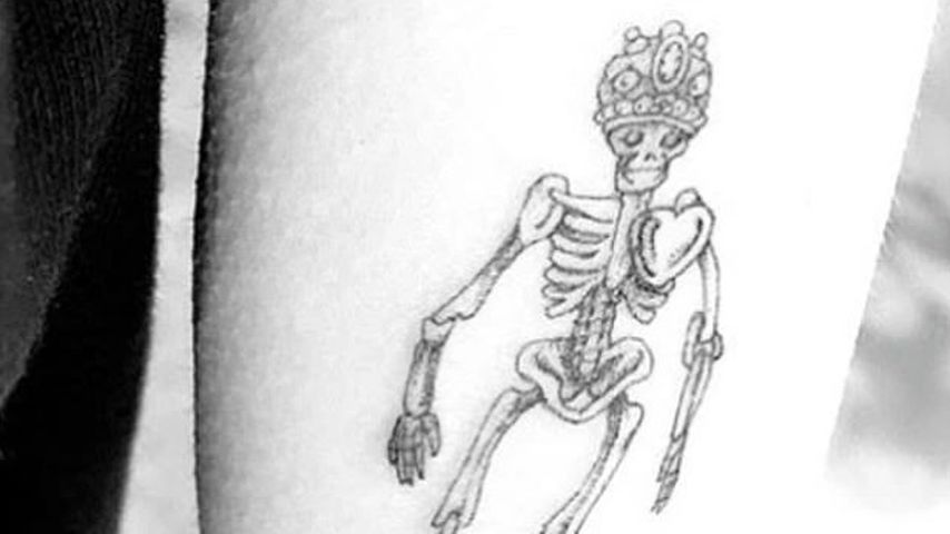 Miley Cyrus' Skelett-Tattoo