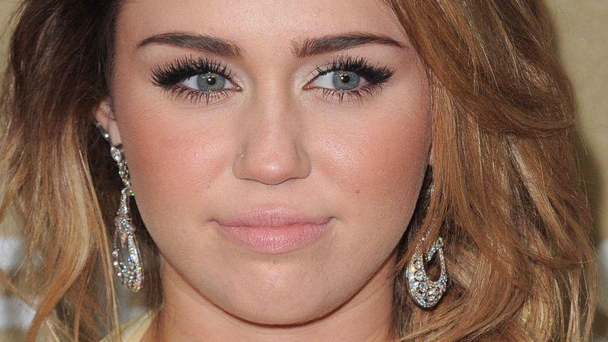Miley Cyrus twittert über ihre Narben!
