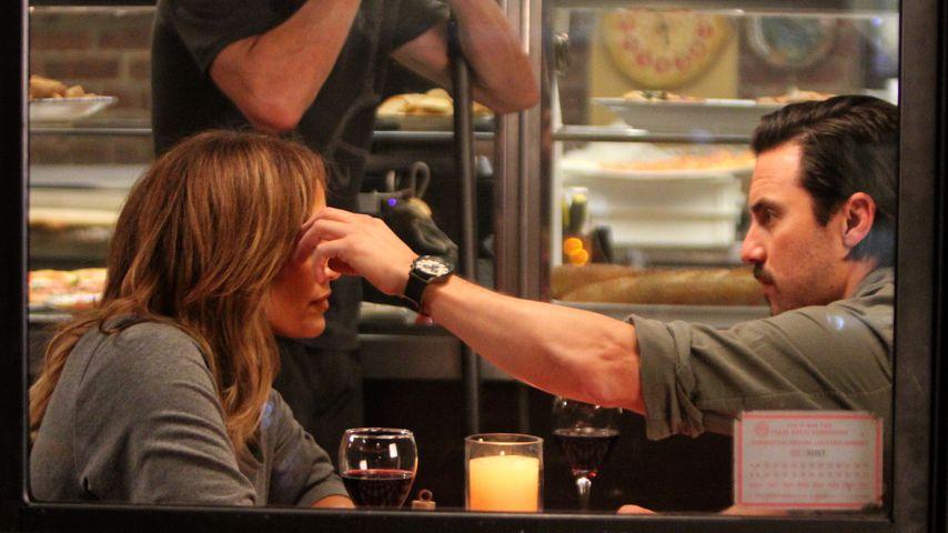 """Jennifer Lopez und Milo Ventimiglia bei Dreharbeiten zu """"Second Act"""" in New York"""