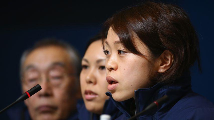 Miyako Sumiyoshi (r.), japanische Eisschnellläuferin
