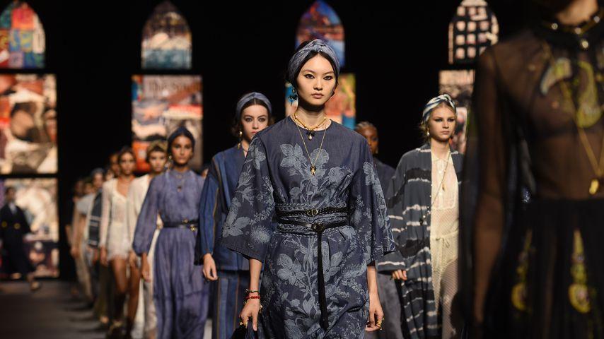 Models auf der Christian-Dior-Modenschau auf der Fashion Week in Paris, 2020