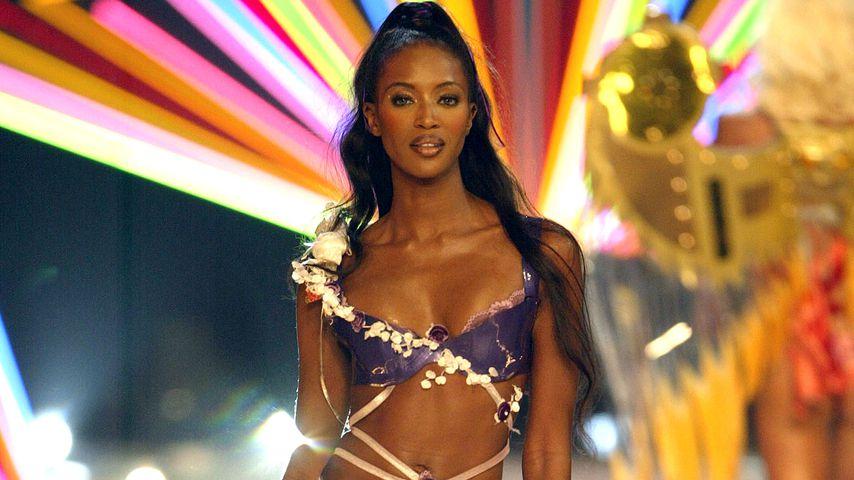 Naomi Campbell auf der Victoria's Secret Fashion Show 2003