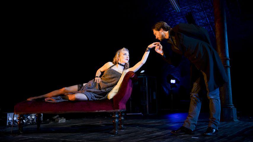 """Natalie Dormer und David Oakes im Theaterstück """"Venus In Fur"""" 2017"""
