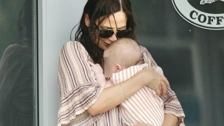 Natalie Imbruglia und ihr Kind