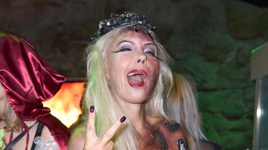 Natascha Ochsenknecht auf ihrer Halloween-Party