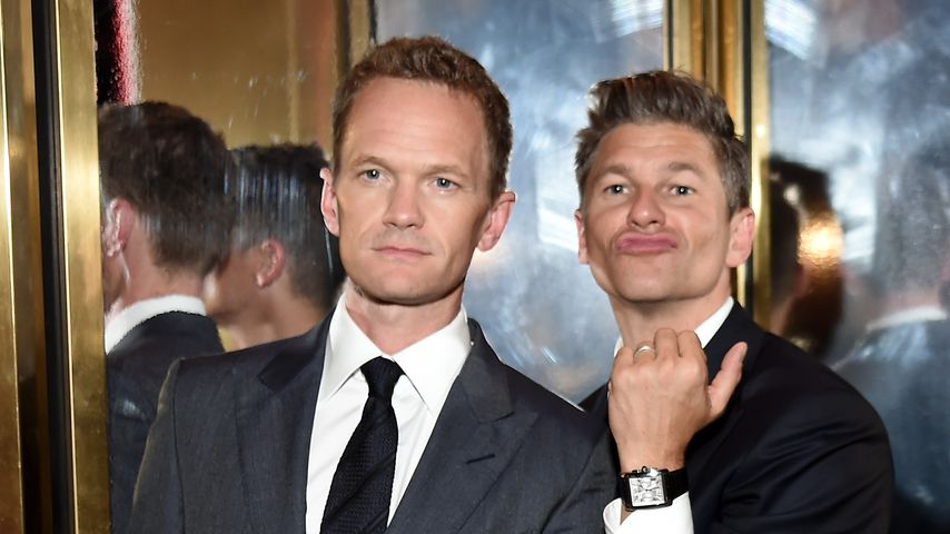 Suit up! Neil Patrick Harris in bester Barney-Stinson-Manier
