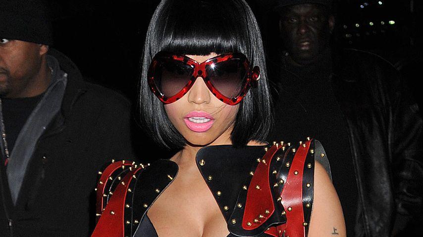 Nicki Minajs Mega-Dekolleté zu Weihnachten