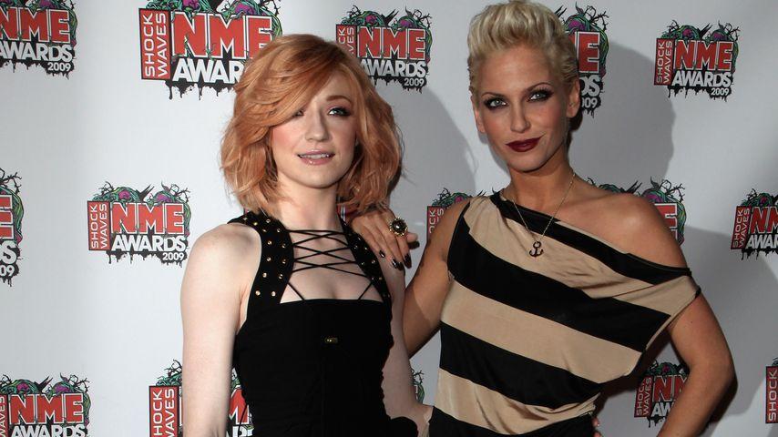 Nicola Roberts und Sarah Harding bei den Shockwaves NME Awards in London, 2009