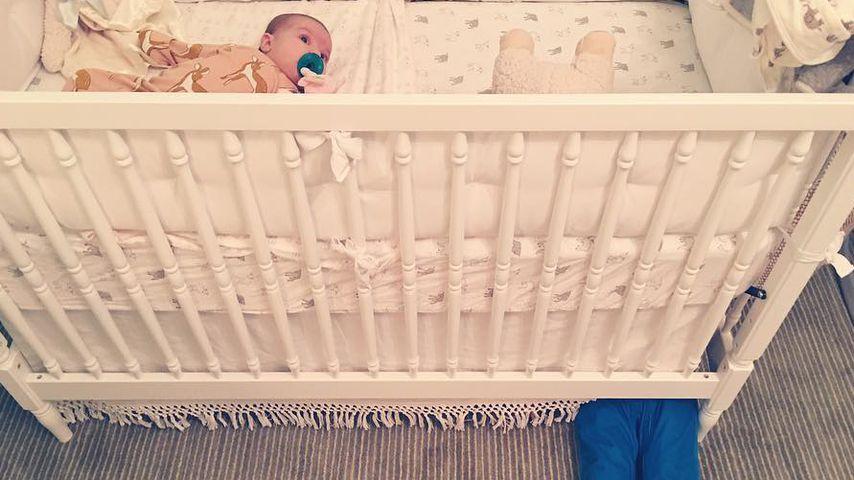 Süße Geschwisterliebe: Olivia Wildes Kids spielen Verstecken