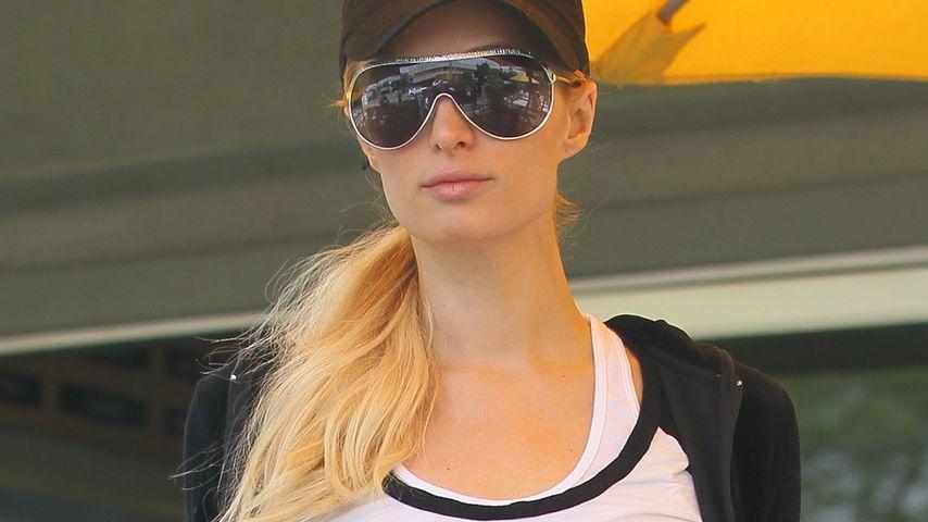 Lach doch mal! Paris Hilton im Smiley-Shirt
