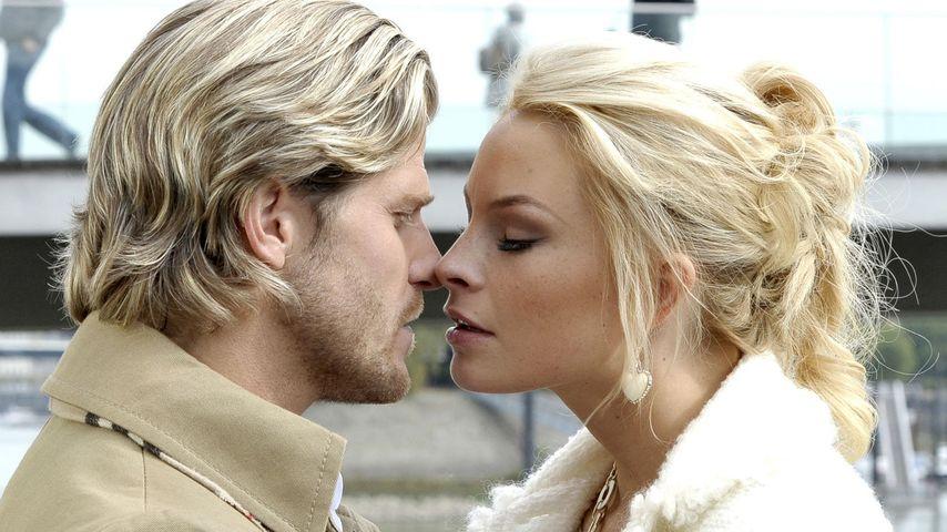 Bachelor-Paul küsst Verbotene Liebe-Jana Julie