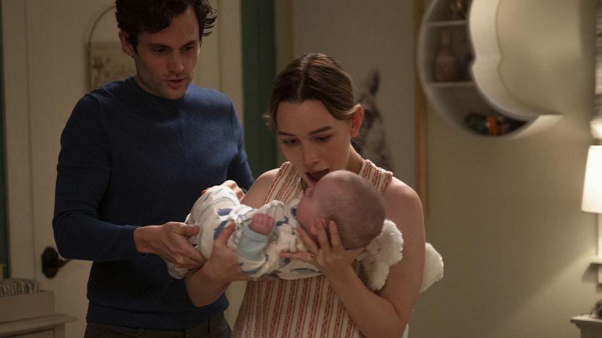 "Penn Badgley und Victoria Pedretti in ""You""-Staffel drei"