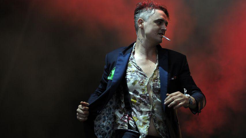 Schlüpfer Blitzer: Pete Doherty mit offener Hose