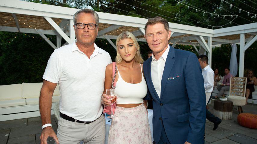 Peter Cook mit Freundin Alba Jancou und Bobby Flay, Juli 2019