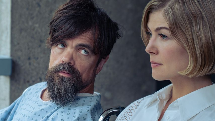 """Peter Dinklage und Rosamund Pike in """"I Care a Lot"""""""