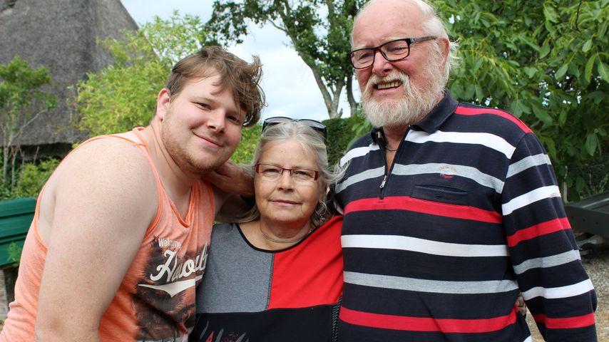 """""""Schwiegertochter gesucht""""-Kandidat Philipp mit seinen Eltern Angela und Jürgen"""