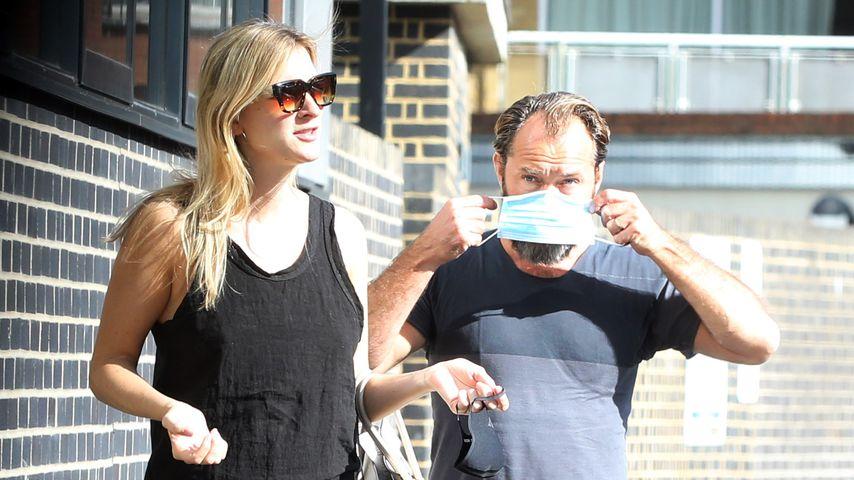 Phillipa Coan und Jude Law in London