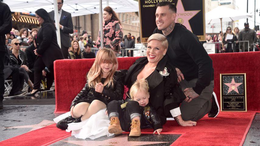 Pink, Carey Hart und ihre Kinder Willow und Jameson auf dem Walk of Fame